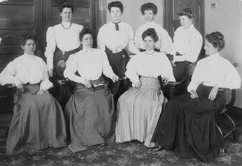1906 library science students